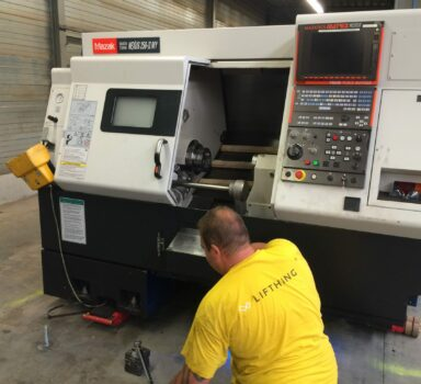 Installation of a lathe