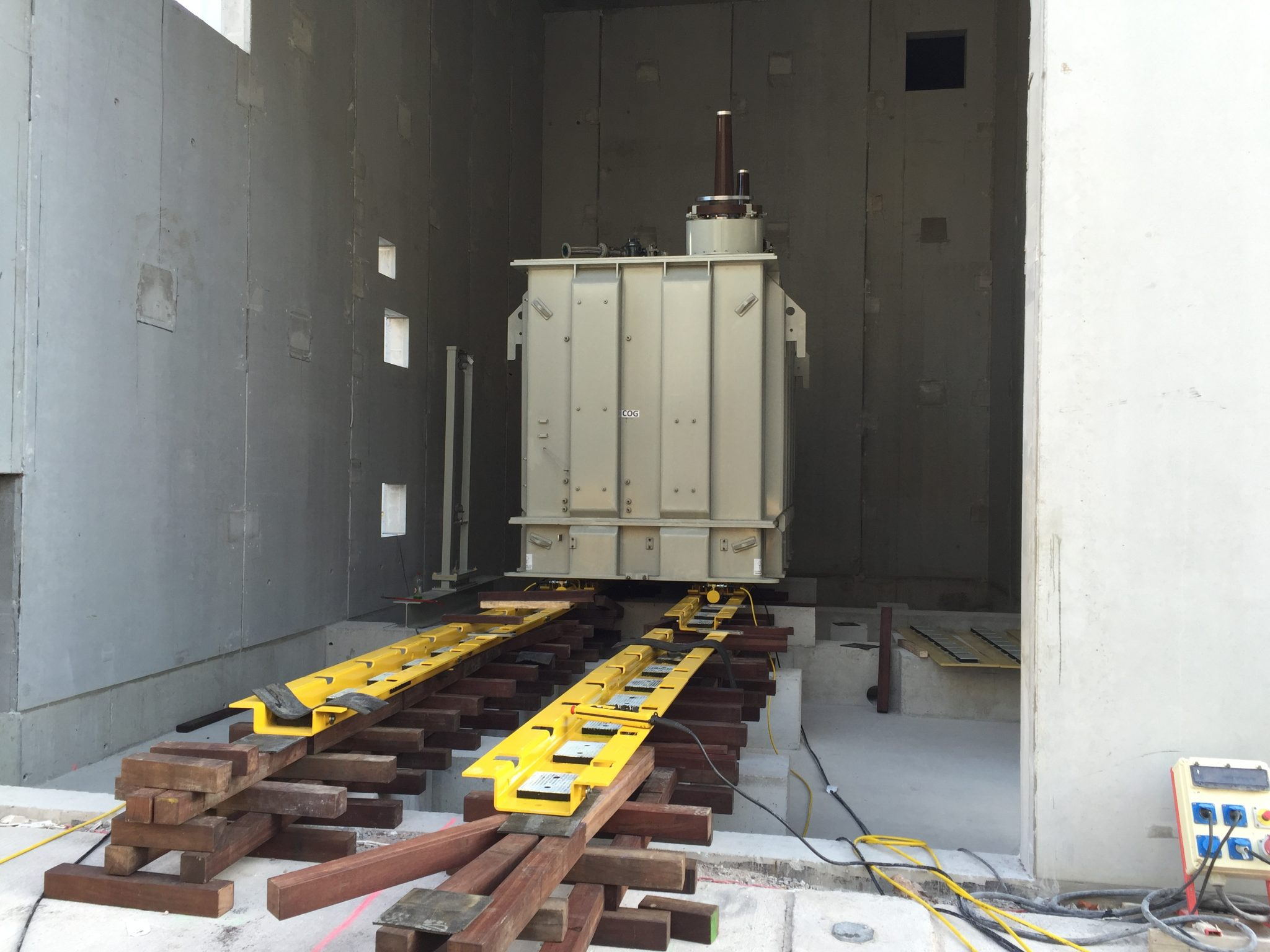 Manipulation and positioning of a transformer